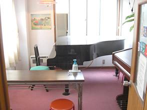 ピアノ練習室・貸しピアノ